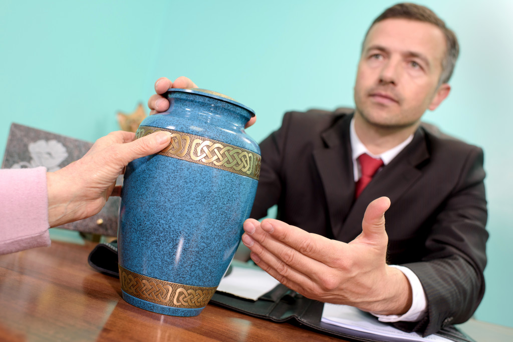 urn for cremation