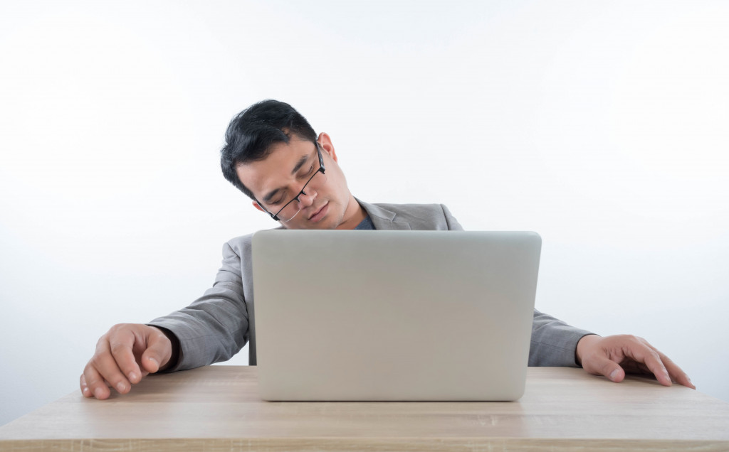 man withb work from home fatigue